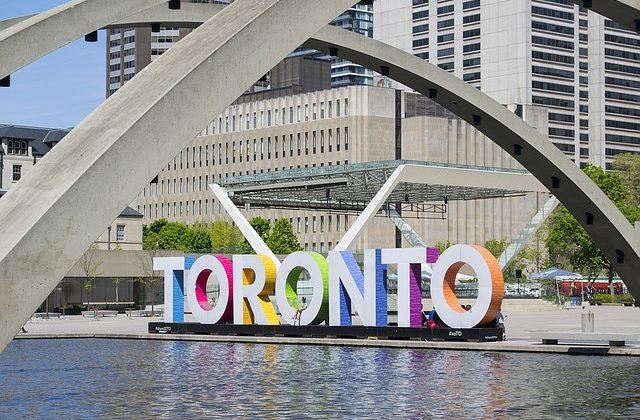 0e19be6ee27 Cheap Flights to Toronto